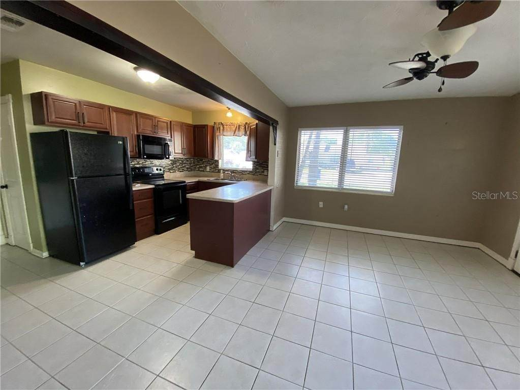 4. Single Family Homes for Sale at 2111 21ST STREET W Bradenton, Florida 34205 United States