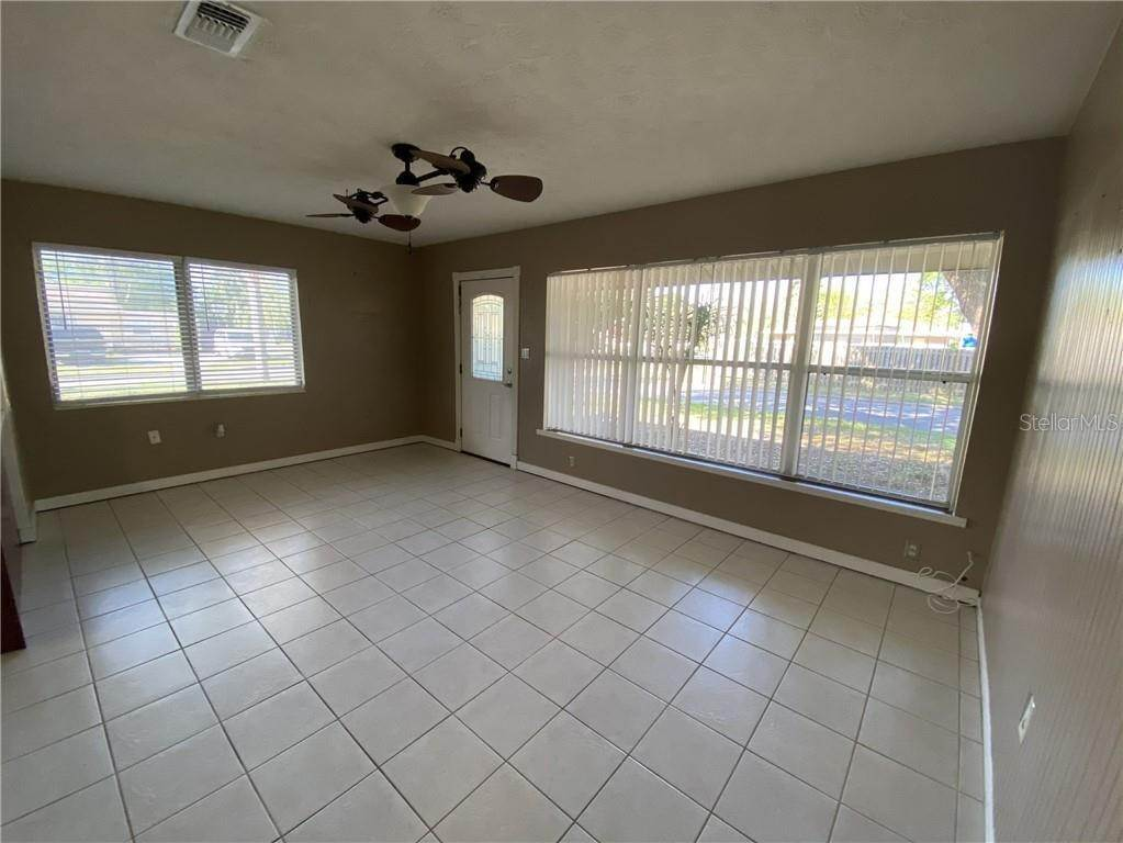 5. Single Family Homes for Sale at 2111 21ST STREET W Bradenton, Florida 34205 United States