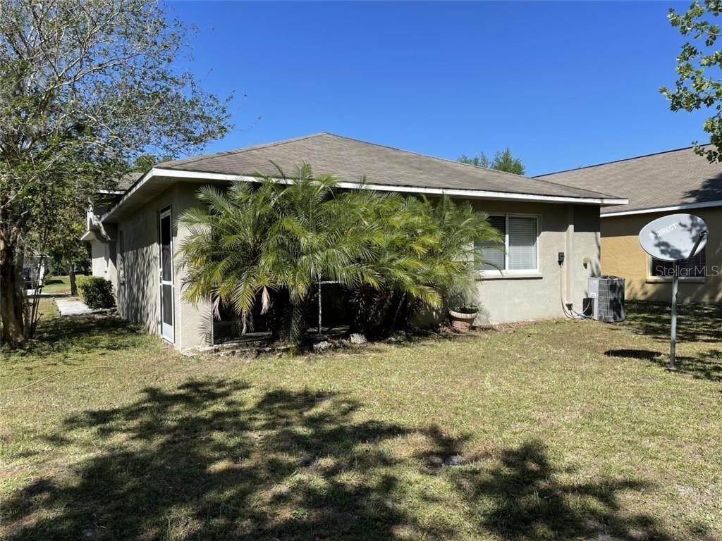 17. Single Family Homes for Sale at 18135 PORTSIDE STREET Tampa, Florida 33647 United States