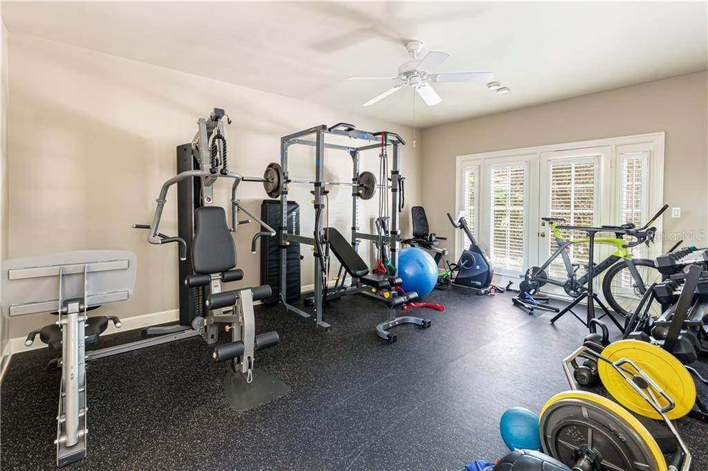17. Single Family Homes for Sale at 543 SHEPHERD AVENUE Winter Park, Florida 32789 United States