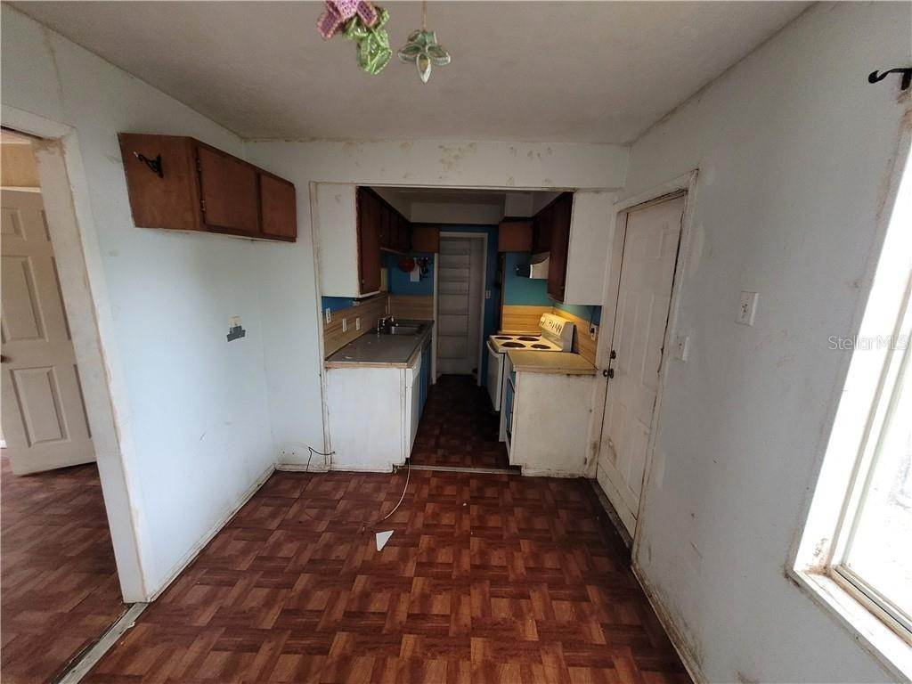 14. Mobile Homes for Sale at 691 N WINTER PARK DRIVE Casselberry, Florida 32707 United States