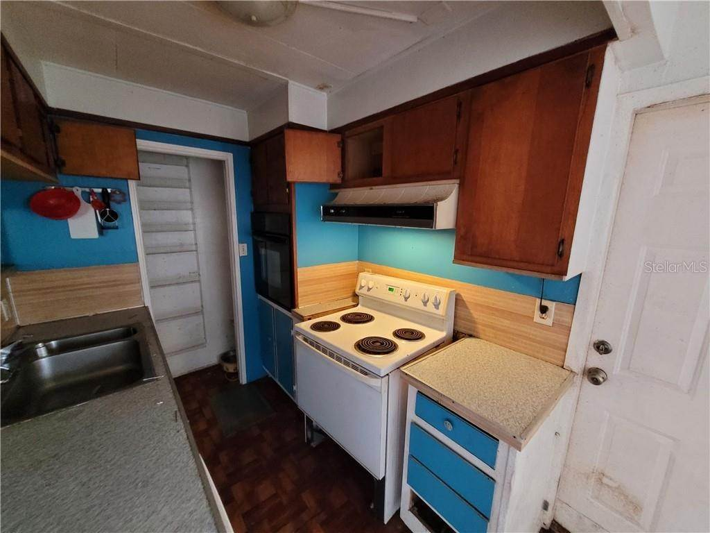 16. Mobile Homes for Sale at 691 N WINTER PARK DRIVE Casselberry, Florida 32707 United States