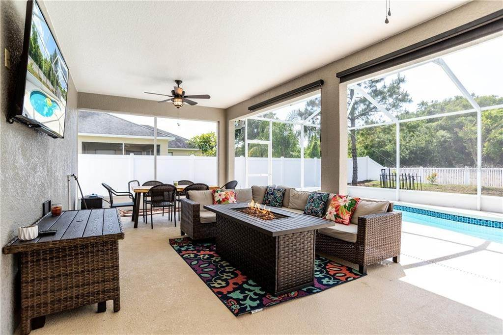 7. Single Family Homes for Sale at 1932 GRIFFINS GREEN DRIVE Bartow, Florida 33830 United States