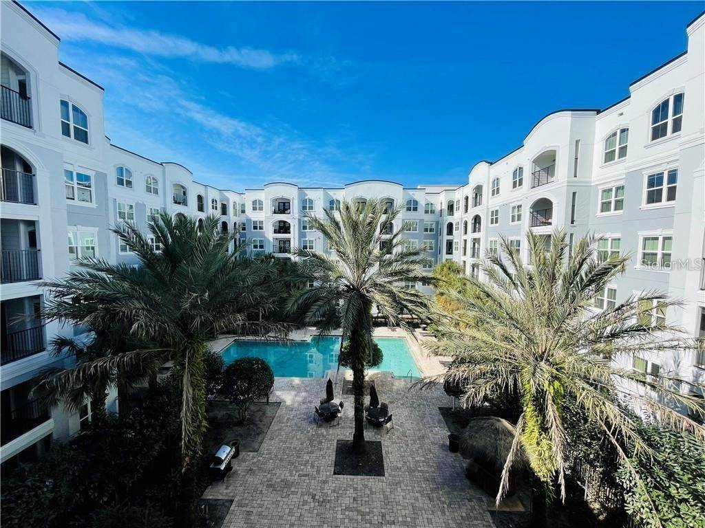 13. Condominiums for Sale at 202 E SOUTH STREET 6044 Orlando, Florida 32801 United States