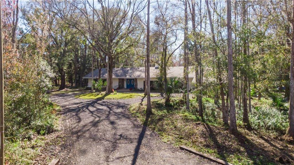 4. Single Family Homes for Sale at 27228 RAVENS BROOK ROAD Wesley Chapel, Florida 33544 United States