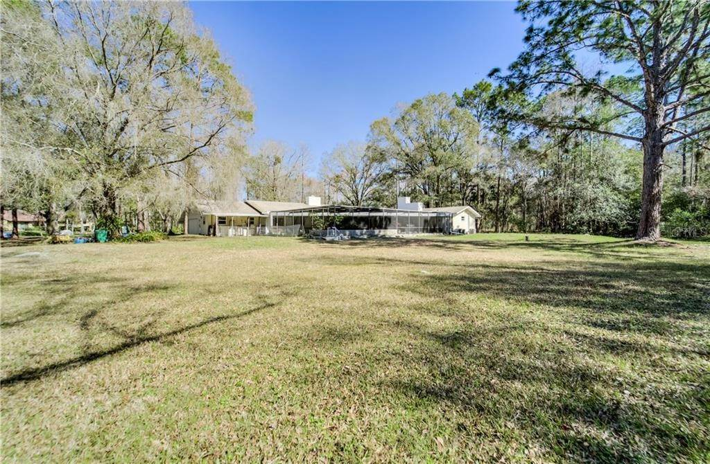 9. Single Family Homes for Sale at 27228 RAVENS BROOK ROAD Wesley Chapel, Florida 33544 United States