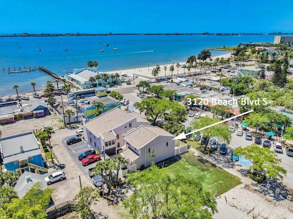 Condominiums for Sale at 3120 BEACH BOULEVARD S 1 Gulfport, Florida 33707 United States