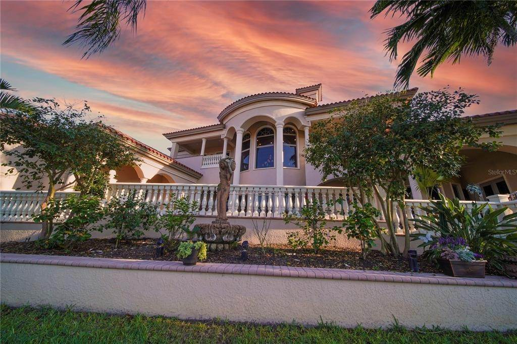 8. Single Family Homes for Sale at 15196 LYNEBURG AVENUE Port Charlotte, Florida 33981 United States