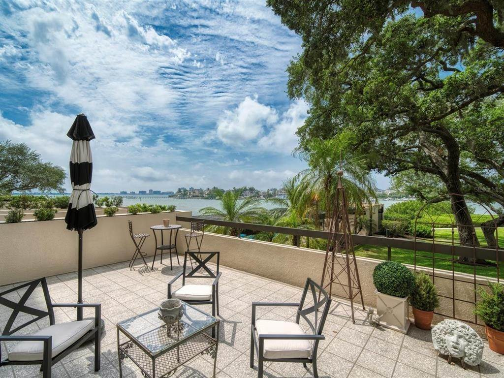 Condominiums for Sale at 4 BELLEVIEW BOULEVARD 108 Belleair, Florida 33756 United States