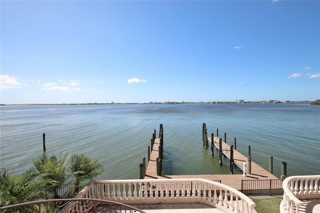 Single Family Homes for Sale at 6108 KIPPS COLONY DRIVE W Gulfport, Florida 33707 United States