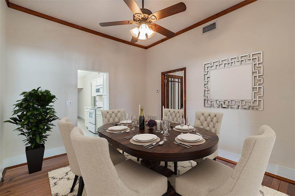 13. Single Family Homes for Sale at 310 S ELM AVENUE Sanford, Florida 32771 United States