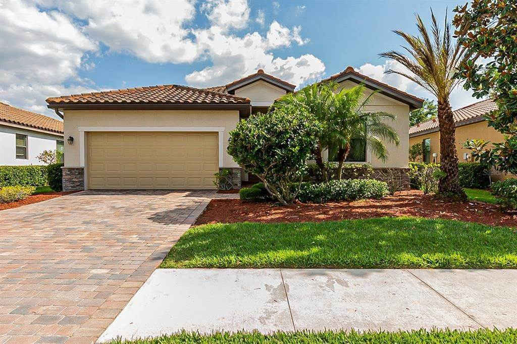 Single Family Homes for Sale at 7006 QUIET CREEK DRIVE Bradenton, Florida 34212 United States