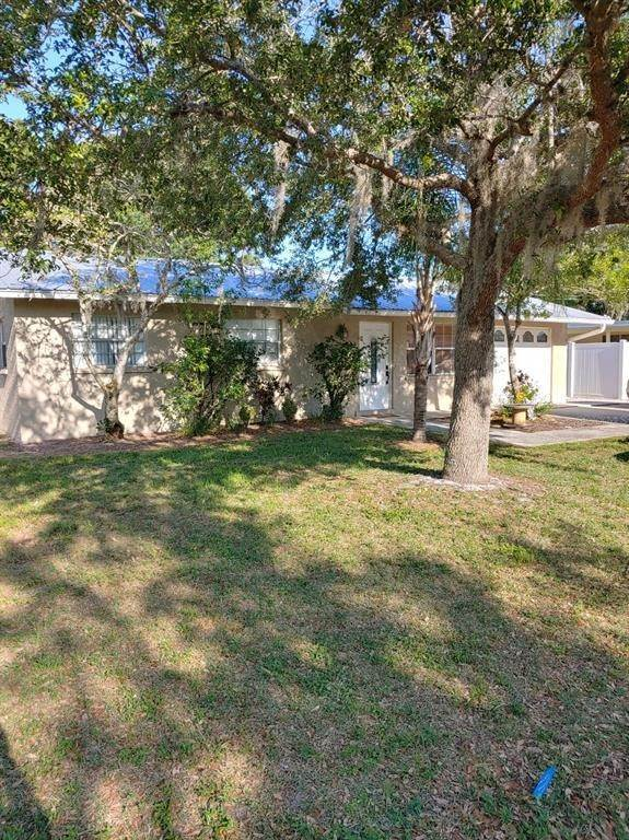 Single Family Homes for Sale at 3921 COLERIDGE Place Sarasota, Florida 34241 United States