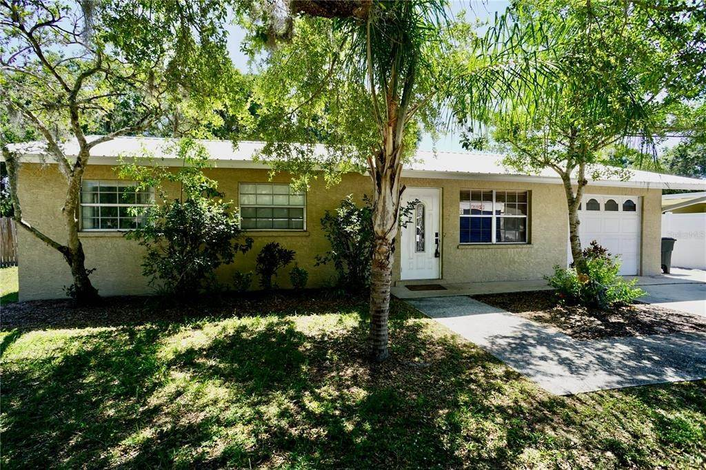 20. Single Family Homes for Sale at 3921 COLERIDGE Place Sarasota, Florida 34241 United States