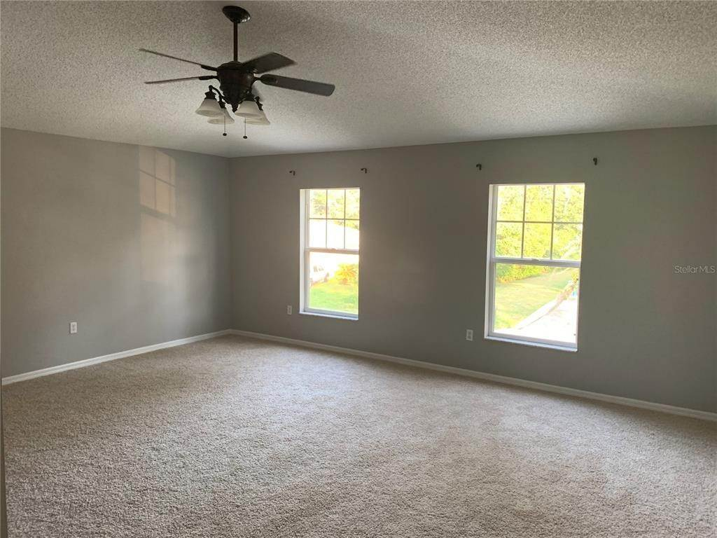 16. Single Family Homes for Sale at 6199 APPLEGATE DRIVE Spring Hill, Florida 34606 United States