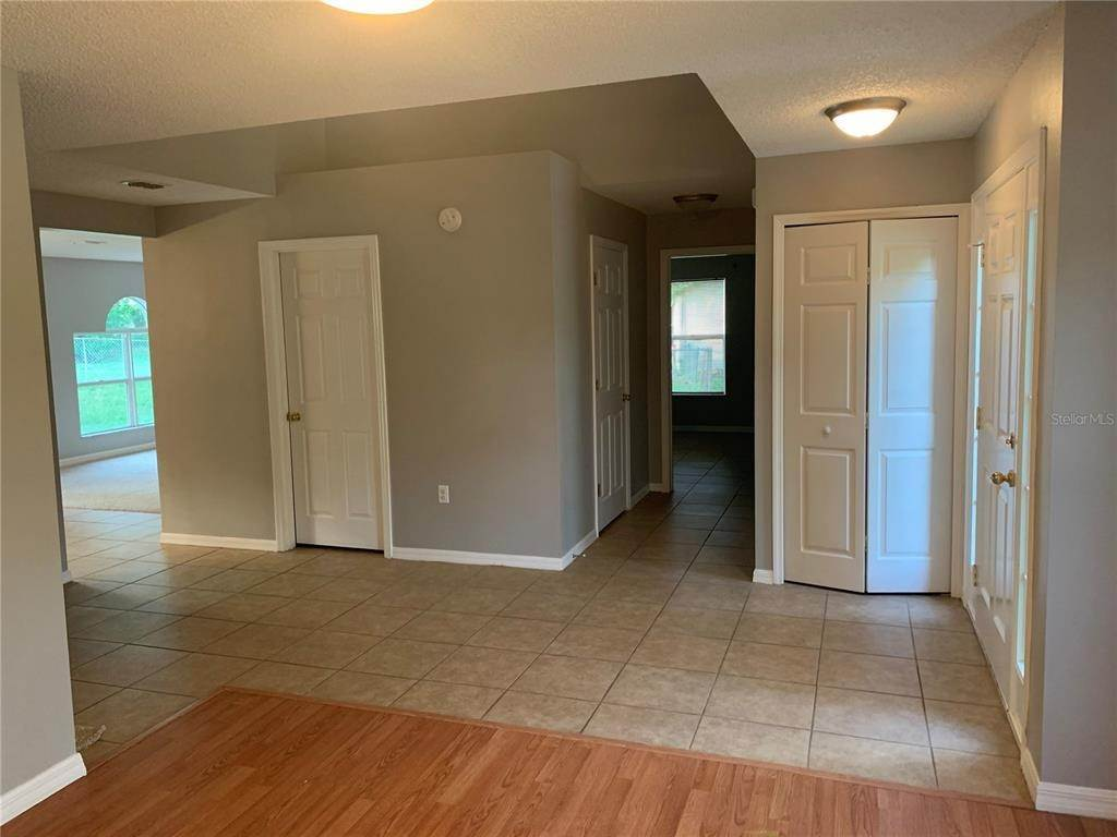 6. Single Family Homes for Sale at 6199 APPLEGATE DRIVE Spring Hill, Florida 34606 United States
