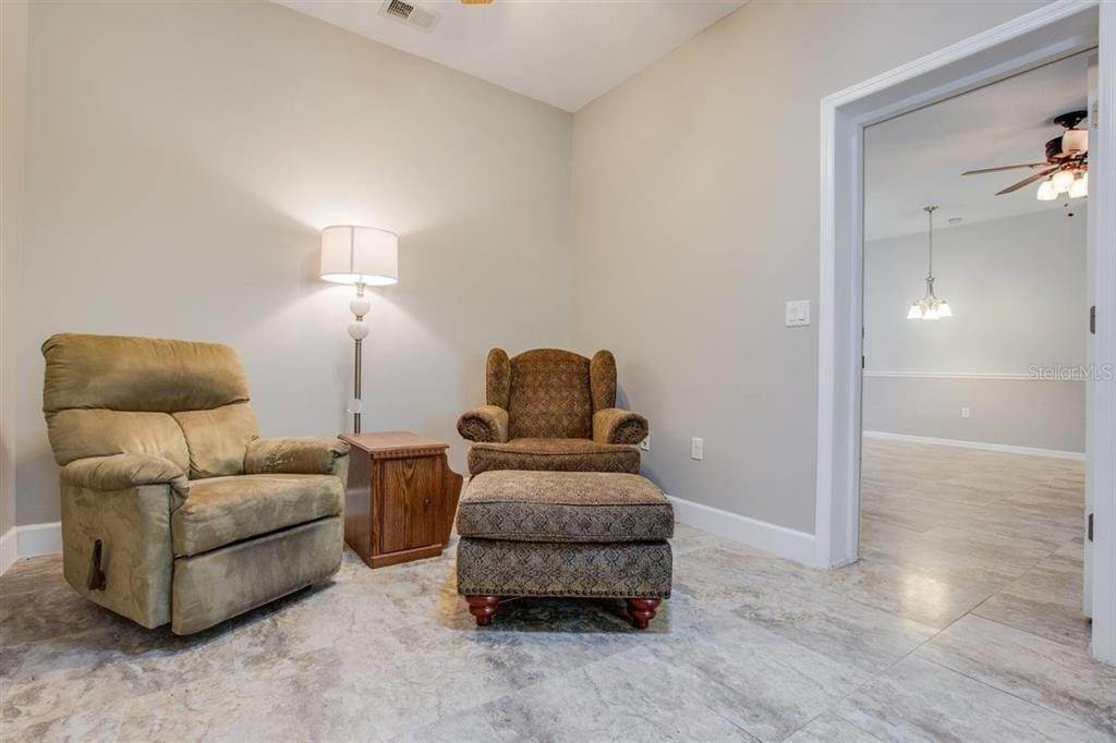 19. Single Family Homes for Sale at 6416 98TH STREET E Bradenton, Florida 34202 United States