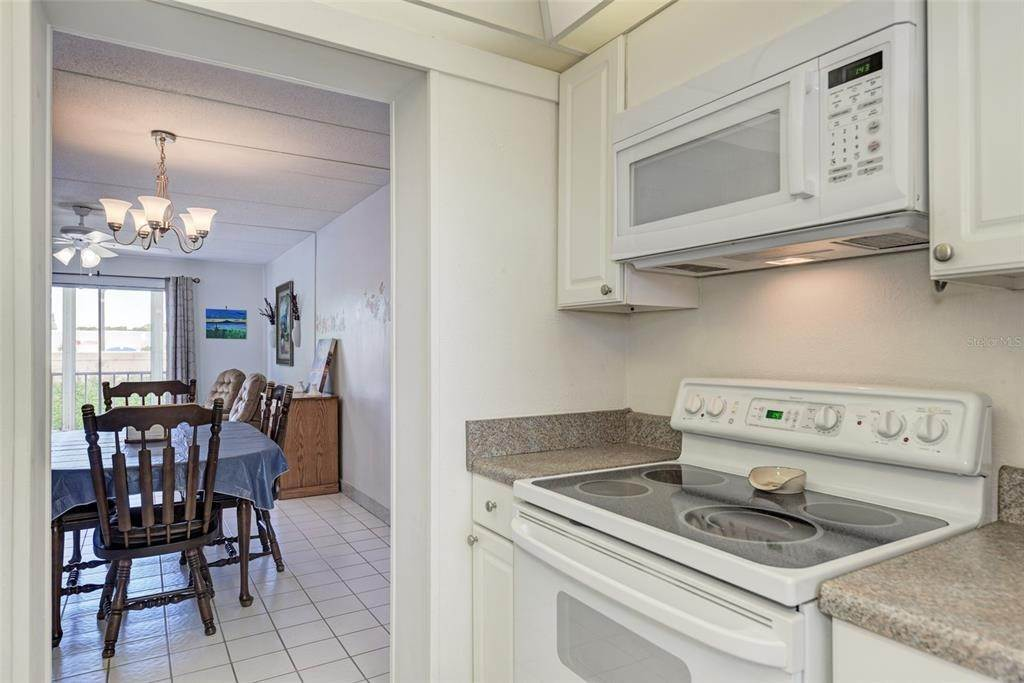 12. Condominiums for Sale at 649 TAMIAMI TRAIL S 205 Venice, Florida 34285 United States