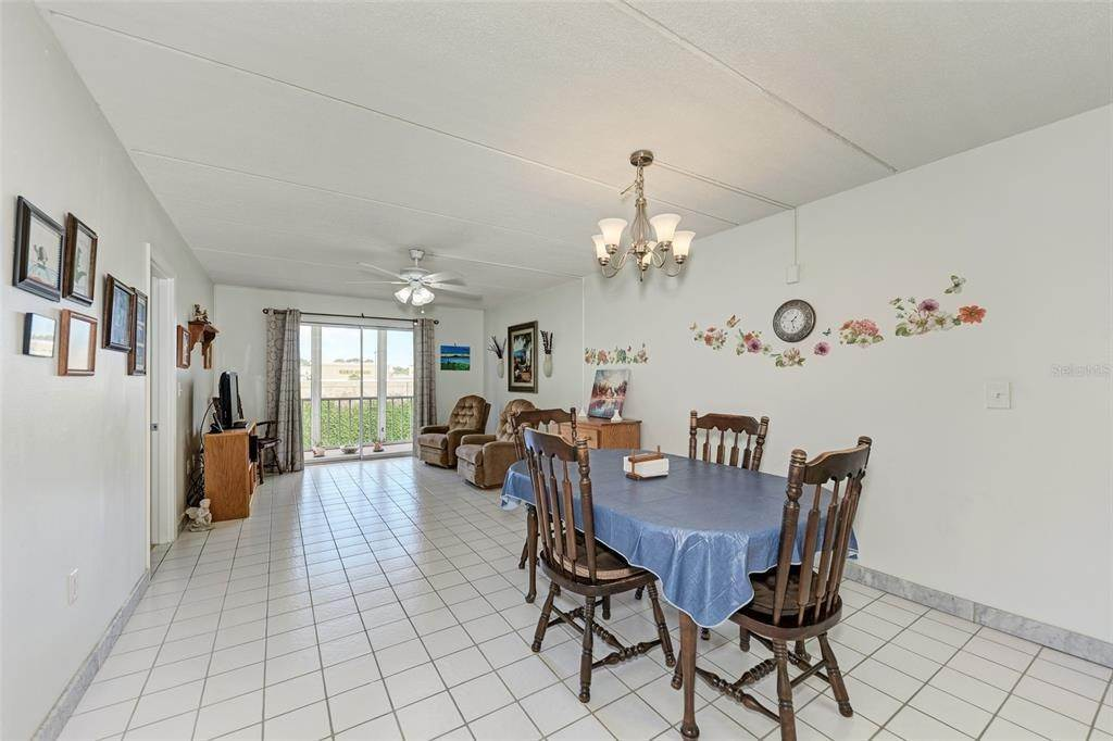 13. Condominiums for Sale at 649 TAMIAMI TRAIL S 205 Venice, Florida 34285 United States