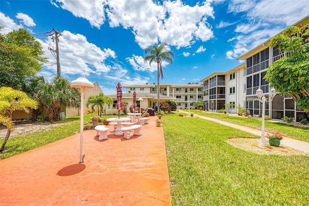 3. Condominiums for Sale at 649 TAMIAMI TRAIL S 205 Venice, Florida 34285 United States