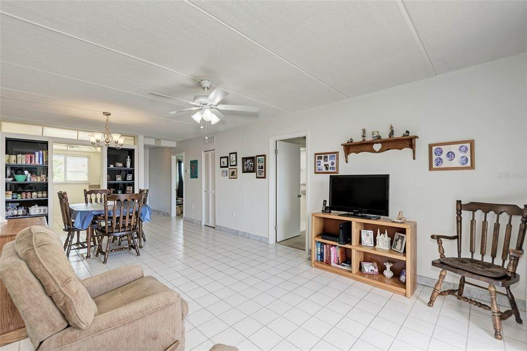 5. Condominiums for Sale at 649 TAMIAMI TRAIL S 205 Venice, Florida 34285 United States