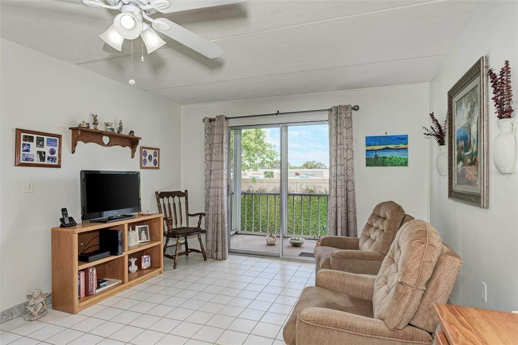 6. Condominiums for Sale at 649 TAMIAMI TRAIL S 205 Venice, Florida 34285 United States