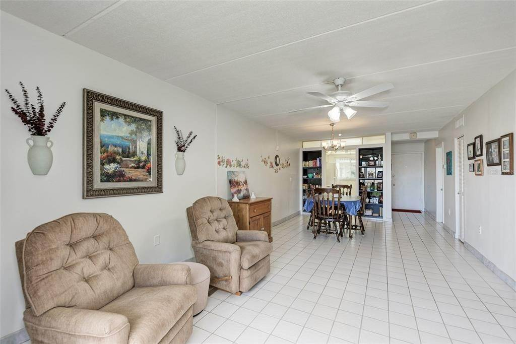 7. Condominiums for Sale at 649 TAMIAMI TRAIL S 205 Venice, Florida 34285 United States