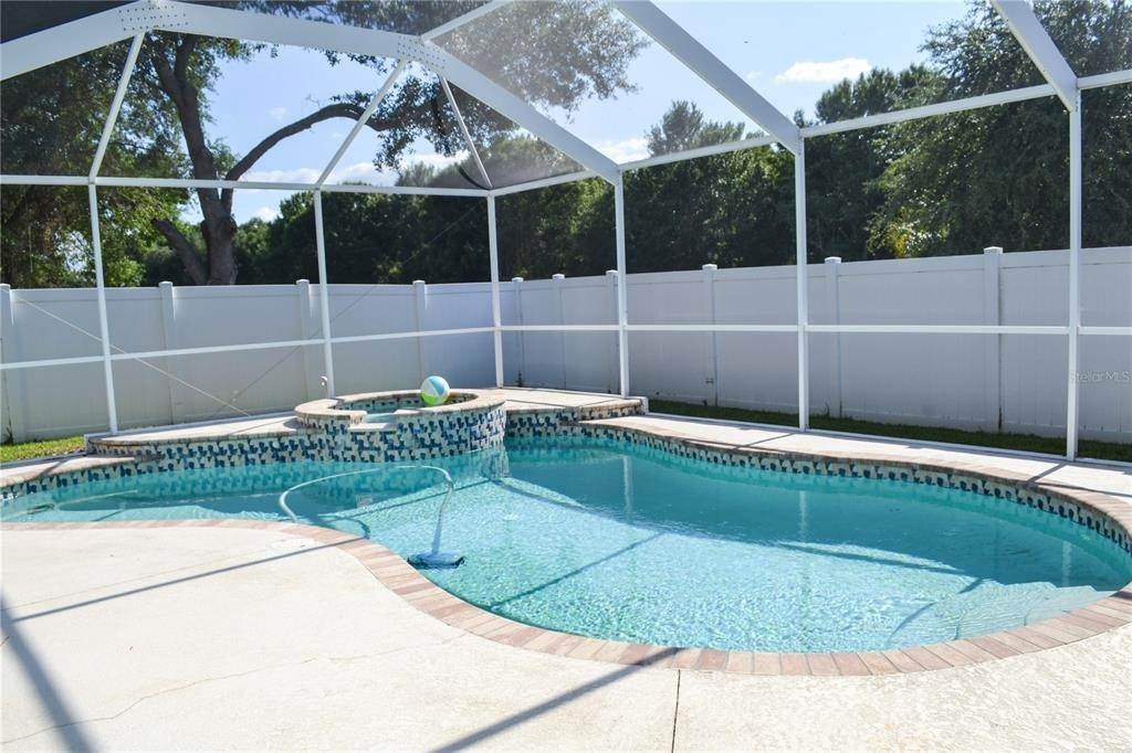 3. Single Family Homes for Sale at 10810 NEWBRIDGE DRIVE Riverview, Florida 33579 United States