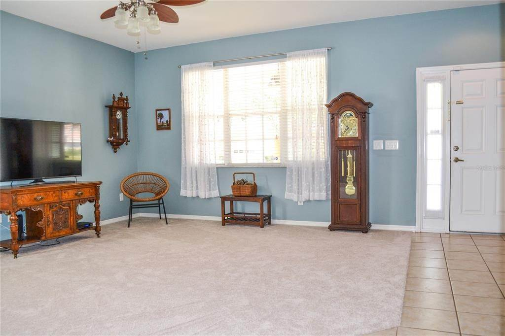 6. Single Family Homes for Sale at 10810 NEWBRIDGE DRIVE Riverview, Florida 33579 United States