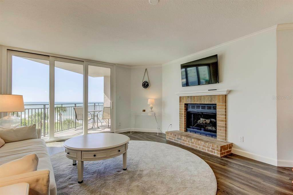 4. Condominiums at 2618 GULF BOULEVARD 307 Indian Rocks Beach, Florida 33785 United States
