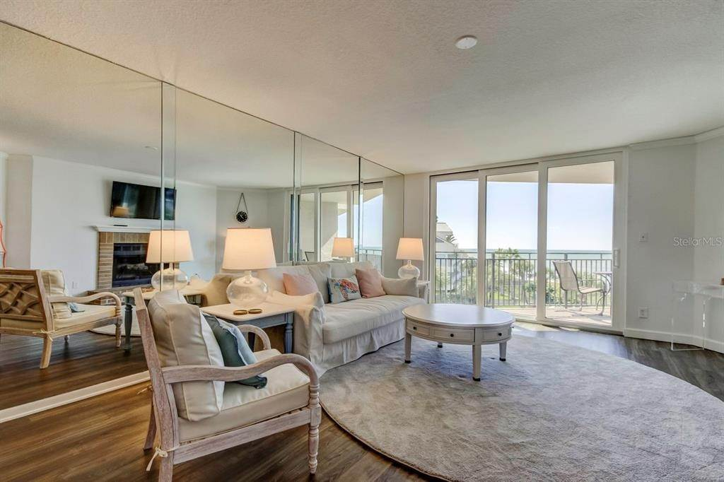 5. Condominiums at 2618 GULF BOULEVARD 307 Indian Rocks Beach, Florida 33785 United States