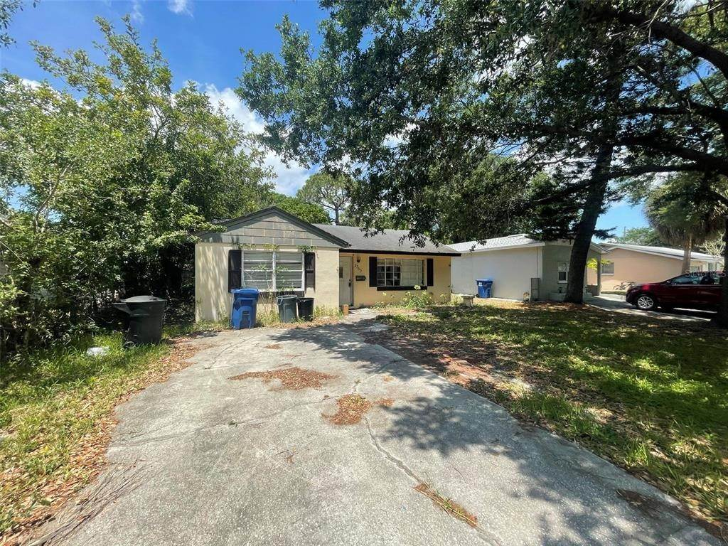 Single Family Homes for Sale at 1763 NEW HAMPSHIRE AVENUE NE St. Petersburg, Florida 33703 United States