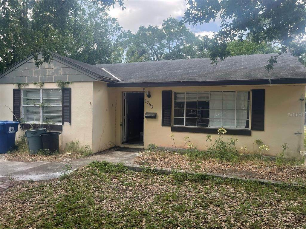 2. Single Family Homes for Sale at 1763 NEW HAMPSHIRE AVENUE NE St. Petersburg, Florida 33703 United States