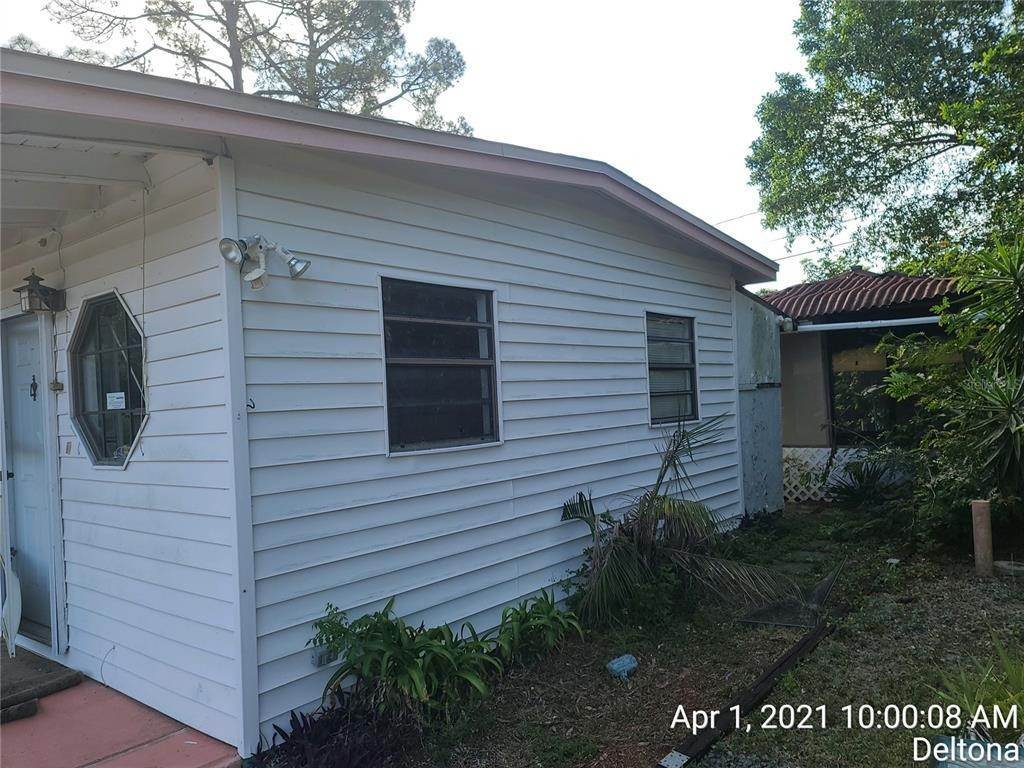 5. Single Family Homes for Sale at 665 N WELLINGTON DRIVE Deltona, Florida 32725 United States