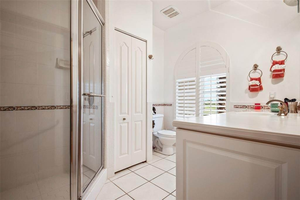 15. Single Family Homes for Sale at 699 KEY ROYALE DRIVE Holmes Beach, Florida 34217 United States