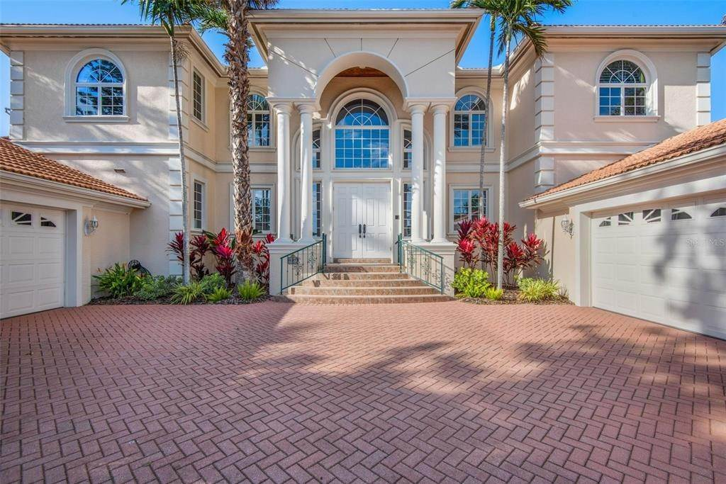 3. Single Family Homes for Sale at 699 KEY ROYALE DRIVE Holmes Beach, Florida 34217 United States