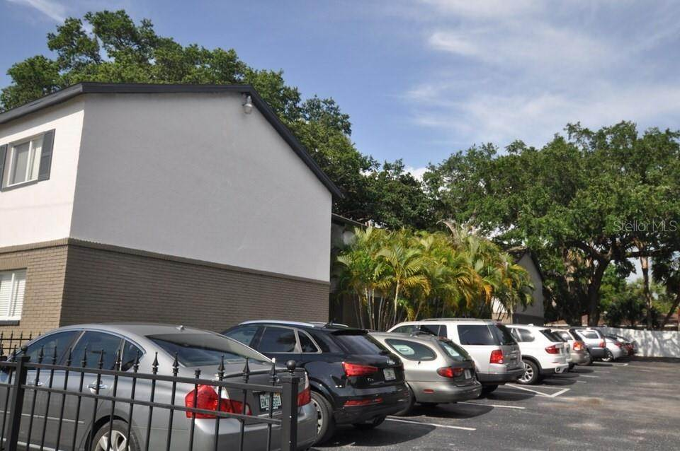 10. Condominiums at 3914 W NEPTUNE STREET 12 Tampa, Florida 33629 United States