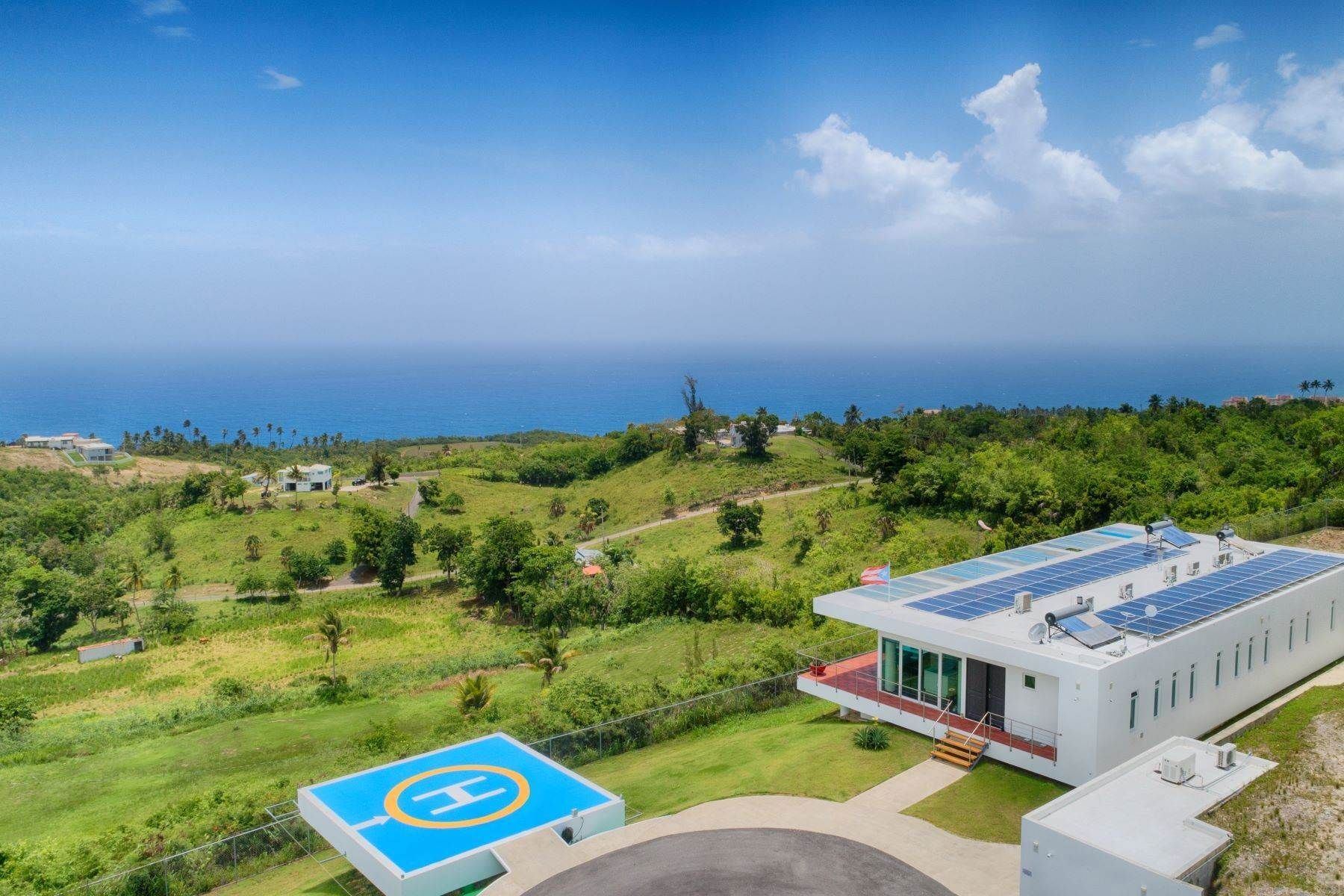 Single Family Homes por un Venta en Self-Sustainable Luxury Home at Porta del Sol Calle San Jose Km 2.2 Quebradillas, Puerto Rico 00678 Puerto Rico