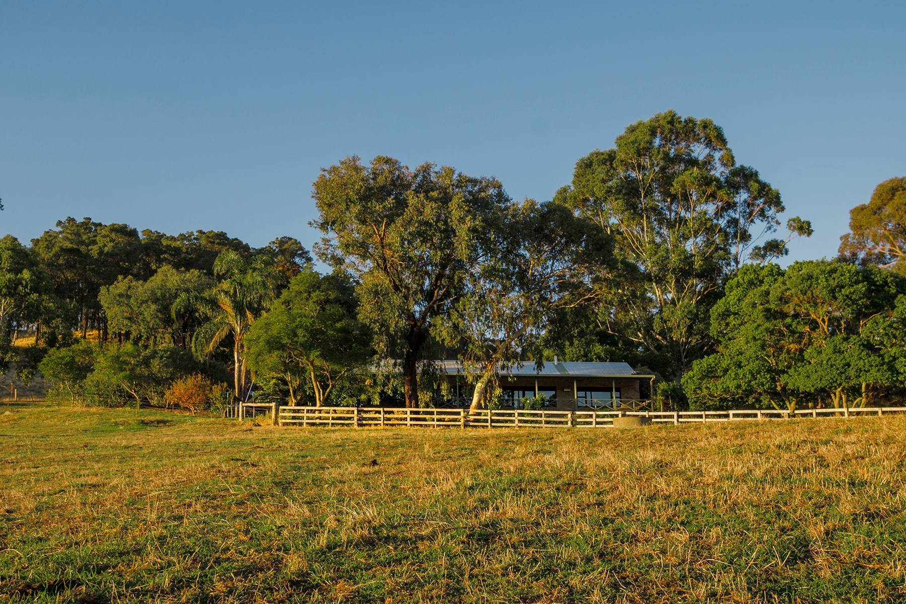 31. Farm and Ranch Properties for Sale at A West Australian Rural Masterpiece Collie River Burekup, Western Australia 6227 Australia