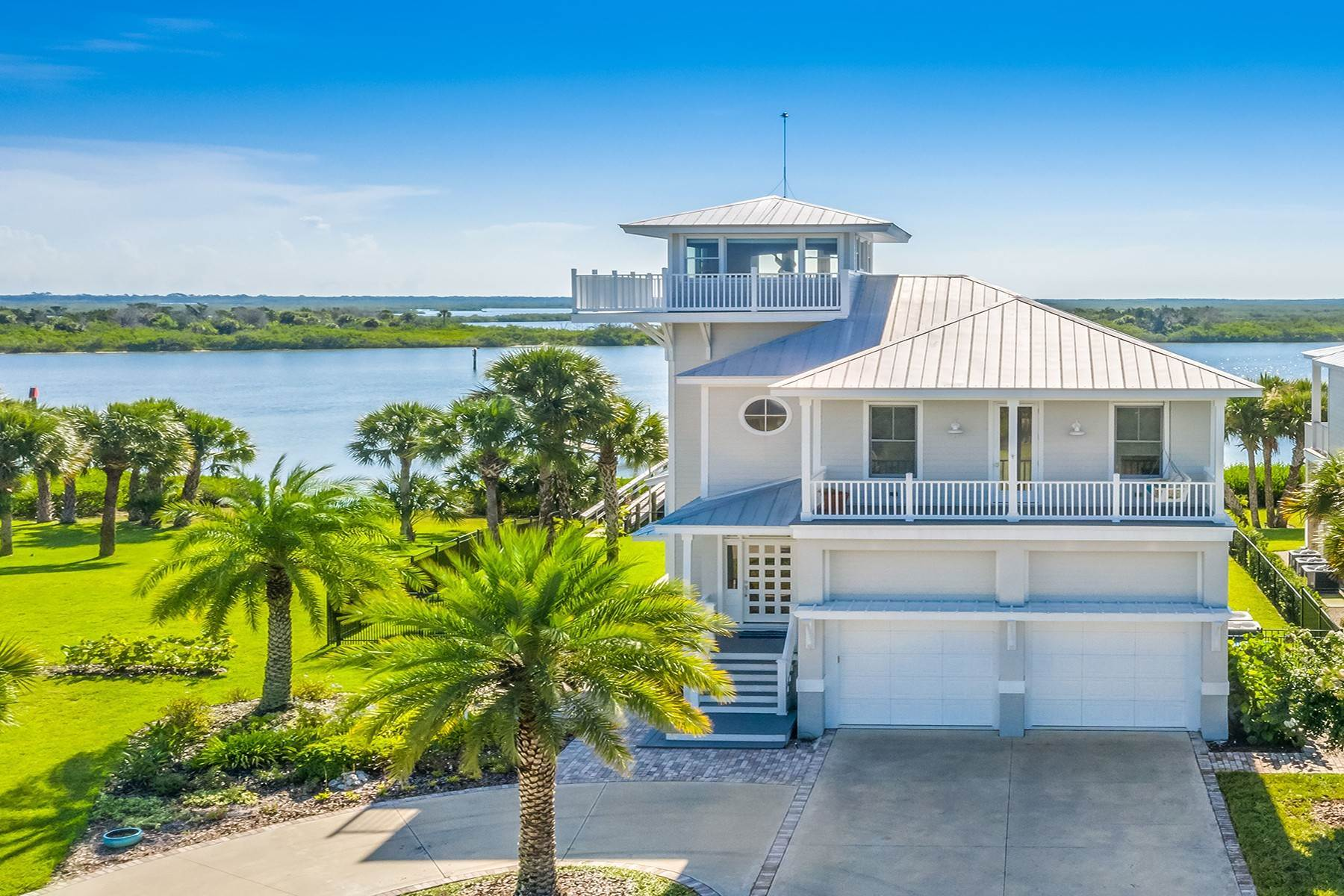 Single Family Homes for Sale at OAK HILL 615 Riverside Landing Dr Oak Hill, Florida 32759 United States