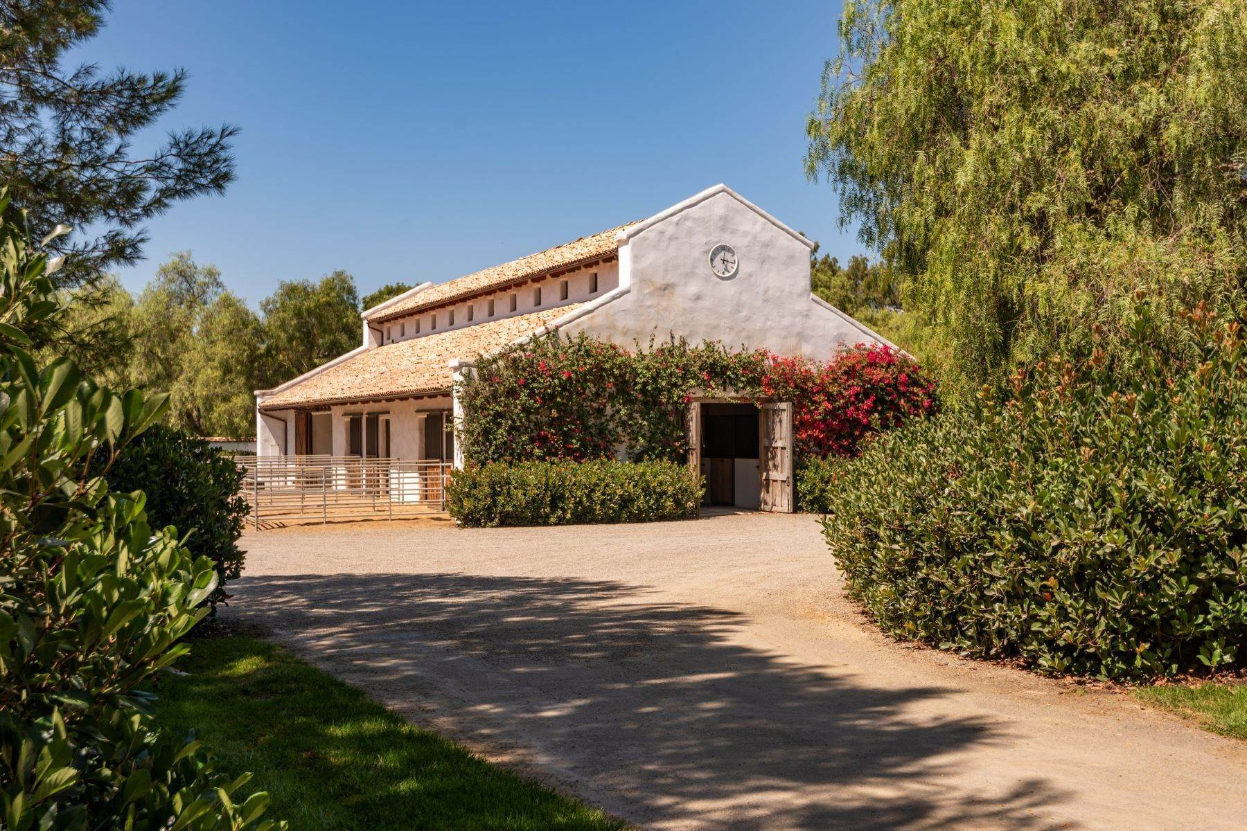 21. Farm and Ranch Properties for Sale at 16401 Calle Feliz, Rancho Santa Fe, Ca, 92067 16401 Calle Feliz Rancho Santa Fe, California 92067 United States