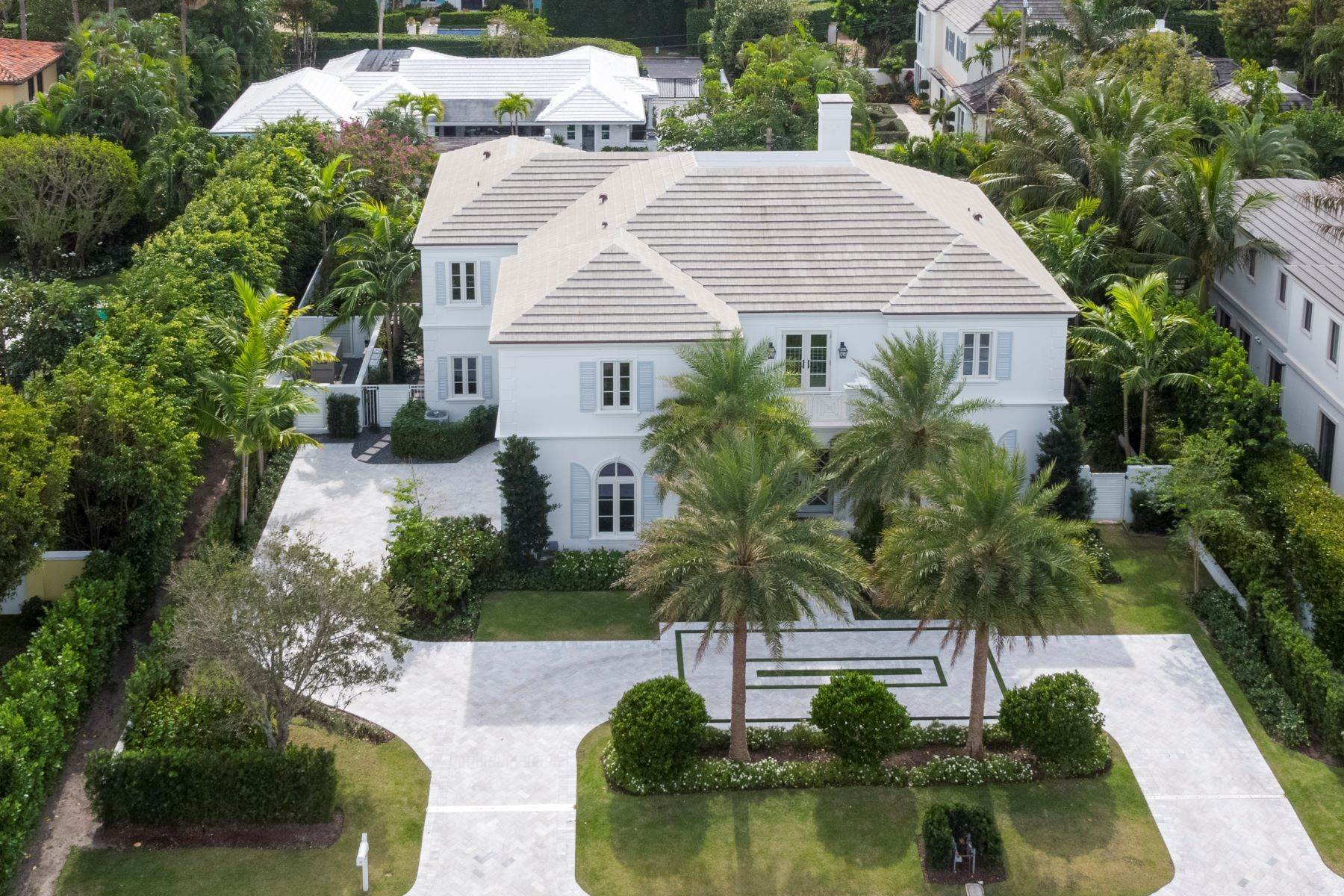 Single Family Homes for Sale at Estate Section New Construction 140 Kings Road Palm Beach, Florida 33480 United States
