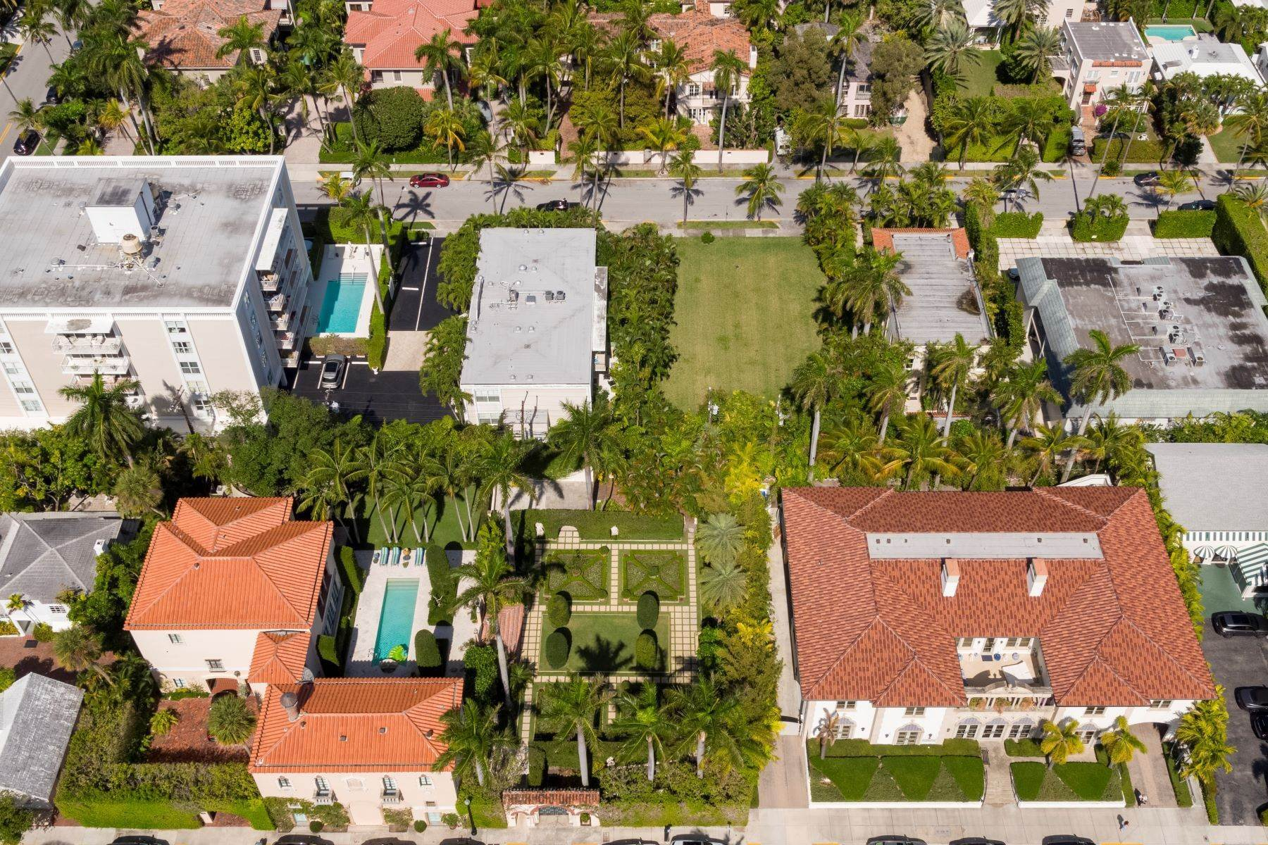 Land for Sale at Design Your Own In-Town Dream 334 Chilean Avenue Palm Beach, Florida 33480 United States