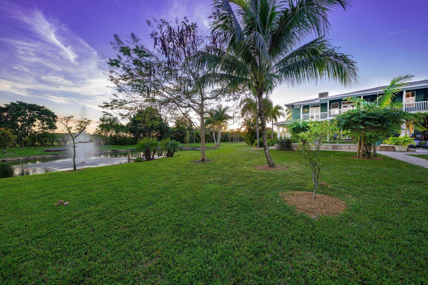 Single Family Homes por un Venta en 2430 Sw 130 Avenue, Davie, FL 2430 Sw 130 Avenue Davie, Florida 33325 Estados Unidos